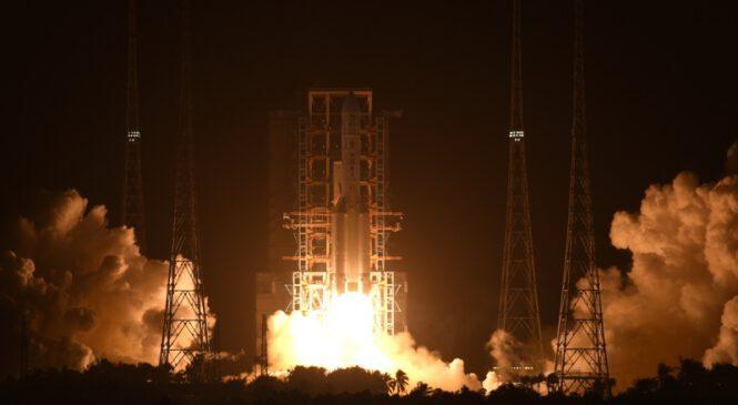 चाङ इ-५ रोबोट चन्द्र धरातलमा सफलतापूर्वक अवतरण