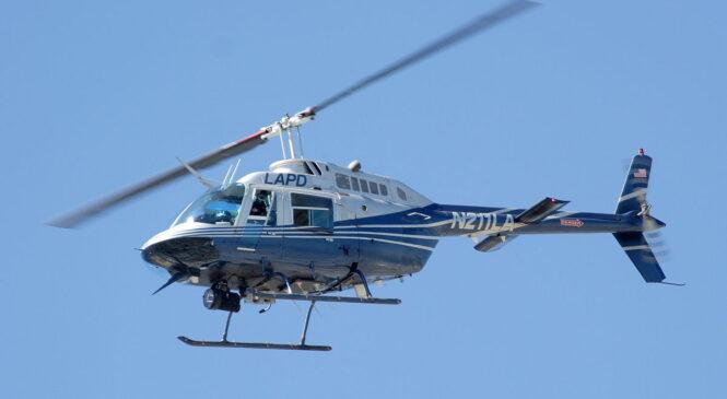 खुकुरी हानाहानबाट घाइते भएका दुई जनालाई एउटै हेलिकप्टरमा उपचारका लागि सुर्खेत
